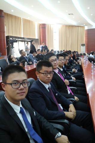 Les élèves-ingénieurs ont assisté à la cérémonie d'inauguration de leur école