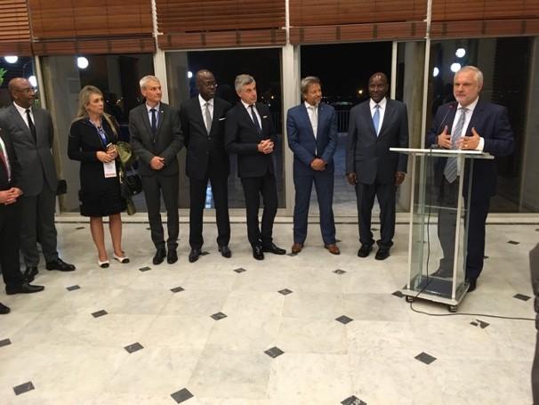 Réception à la Résidence de l'Ambassadeur de France, en présence du Vice-Président de la République de Côte d'Ivoire.jpg