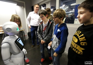 l-enim-a-inaugure-l-ant-car-la-robotique-ca-n-est-pas-acheter-un-robot-sur-catalogue-maury-golini-1552666167