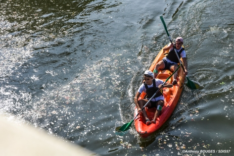 Sortie Kayak le long de la Moselle à Metz avec le SDIS57